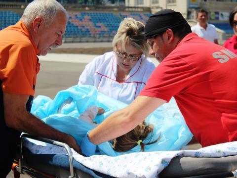 O fetiță de 2 ani cu arsuri grave din Briceni a fost adusă la Chișinău cu un echipaj SMURD ( FOTO/ VIDEO SPC SE)