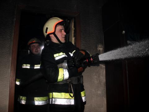 Incendiu în această dimineață la Durlești. Au intervenit trei autospeciale (video)
